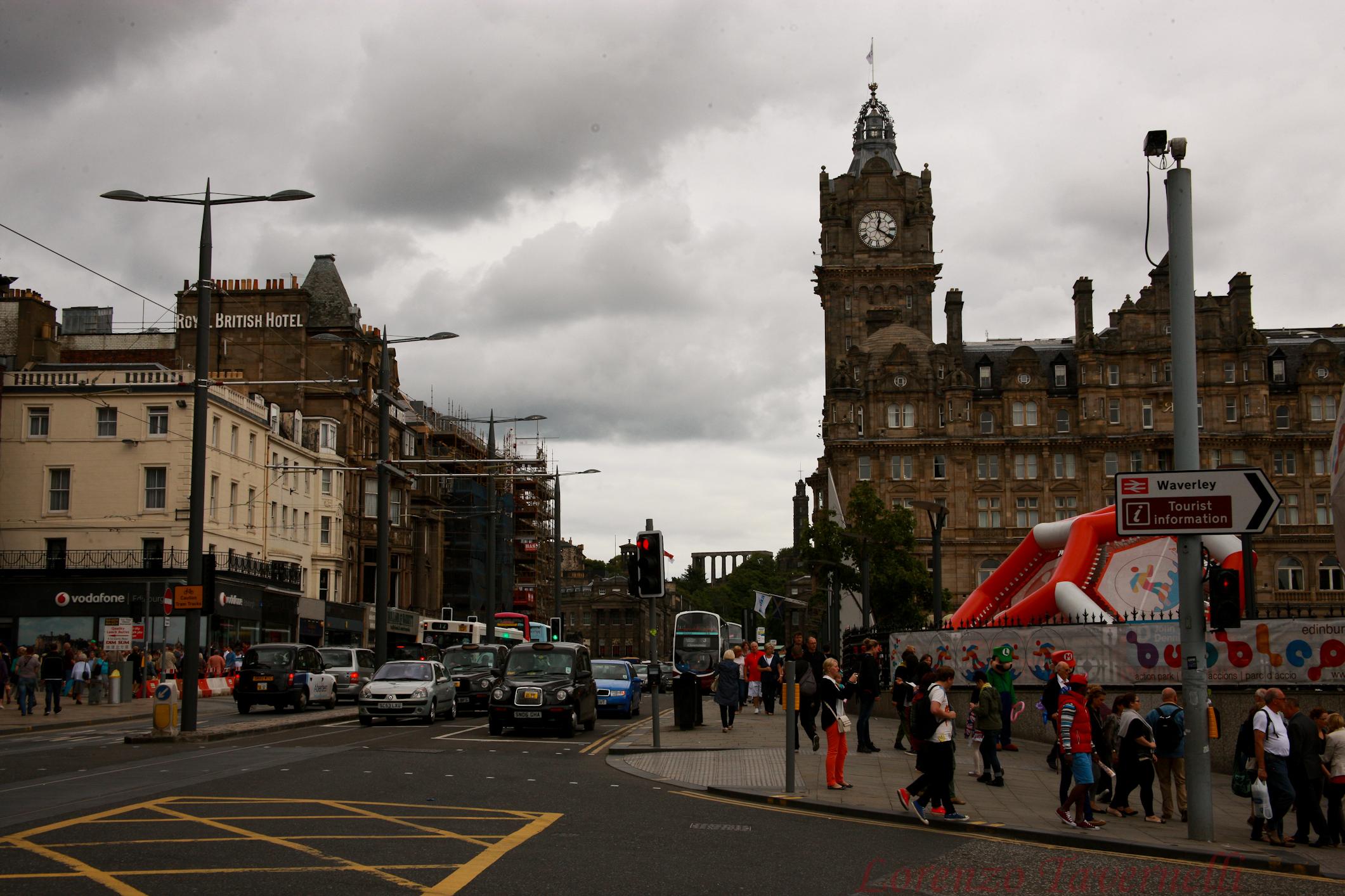 Gli Alieni Hanno Invaso La Scozia Edi